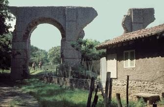 Photo: S-side of the Mornant aqueduct bridge