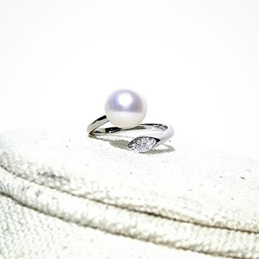 8.5mm round Natural Fresh Water Pearl with 925 Silver Ring