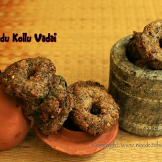 Karupu Ulundu Kollu Vadai | Black Urad Dhal & Horsegram Fritters
