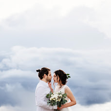 Wedding photographer Ekaterina Bondarcova (Ady-art). Photo of 14.01.2017