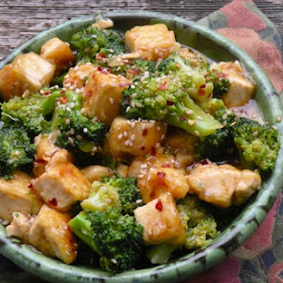 Sesame-Ginger Tofu and Broccoli Stir-Fry