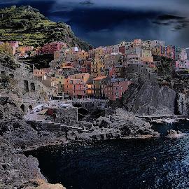 Cinque Terre by Gérard CHATENET - City,  Street & Park  Vistas