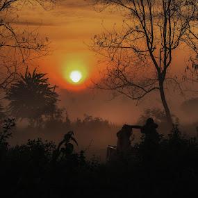 Tersembunyi by Aprio Rahmansyah - Landscapes Sunsets & Sunrises ( sunrise, sunset, silhouette, artwork, landscape, human interest )