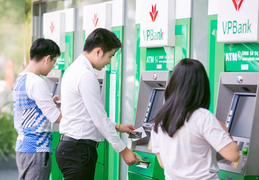 rút tiền mặt thẻ tín dụng VPbank