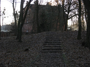 Photo: Zabudowania gospodarcze i folwarczne wokół parku pałacowego w Skorogoszczy.