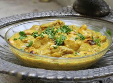 Chicken Curry with Cashews & Coconut Milk