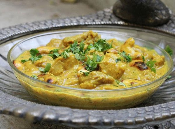 Chicken Curry With Cashews & Coconut Milk Recipe