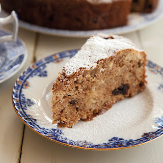 One-Pot Spiced Apple Cake