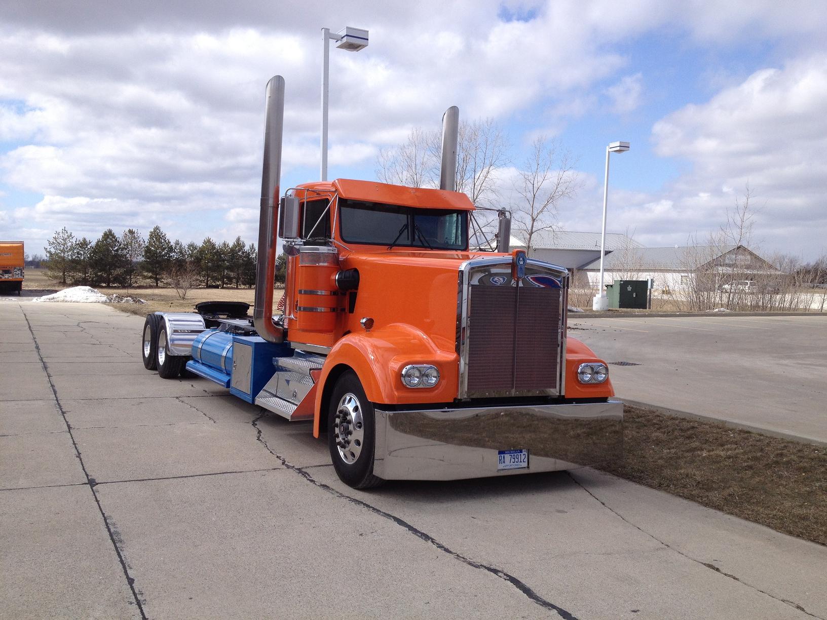 Kenworth W900L A Model Truck-Rodz