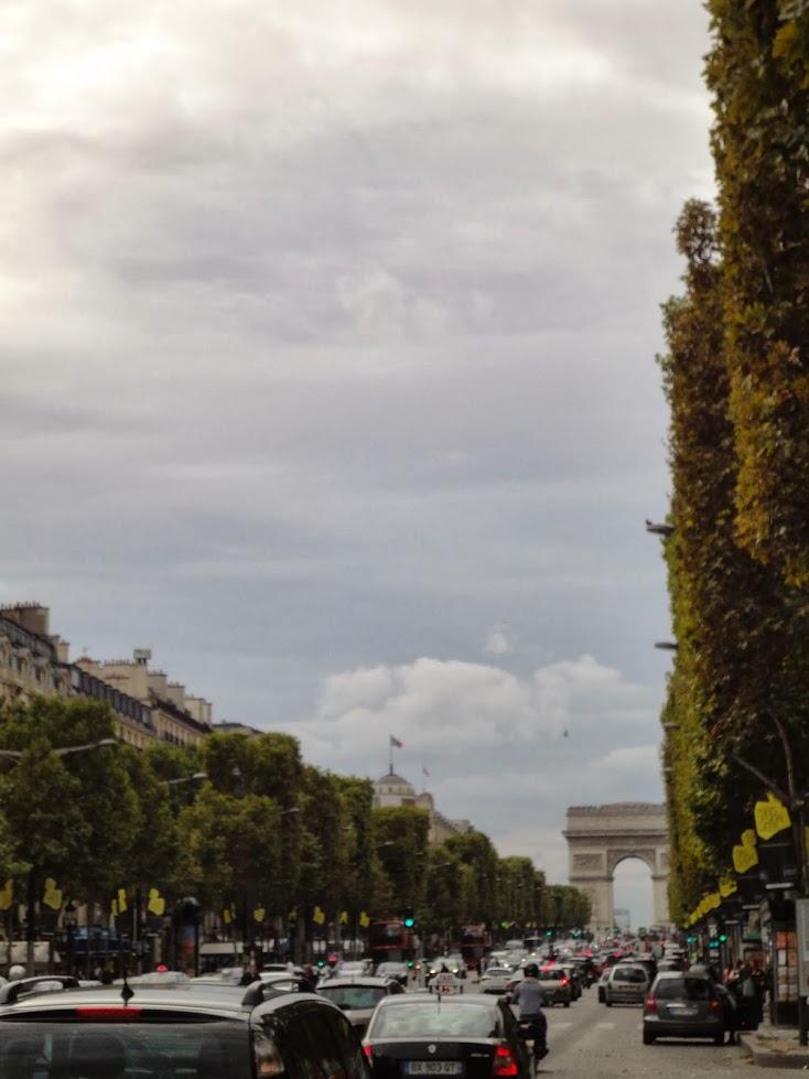 Avenue des Champs-Elysées à Paris