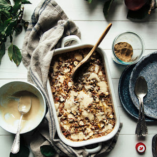 "COZY APPLE SPICE BAKED OATMEAL WITH MAPLE CREAM & HAWAIJ FROM ""MOLLY ON THE RANGE"""