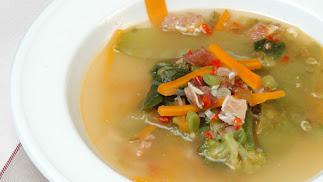 Sopa de verduras de la huerta.