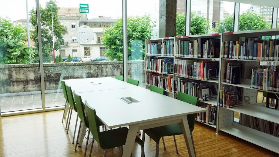 Foto Biblioteca Xosé Neira Vilas 5