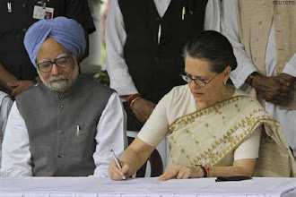 Photo: Sonia asks Congress MPs to haul BJP over the coals http://t.in.com/8rr5
