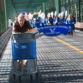 Leading the parade by Bill  Brokaw - News & Events World Events ( parade, lambertville, brokaw )