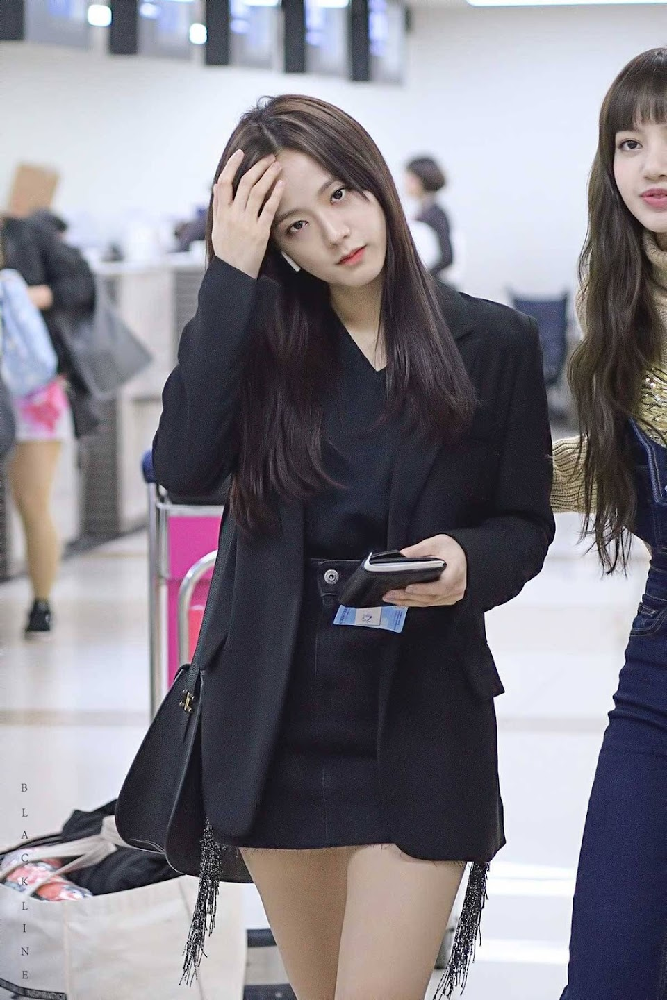 blackpink-jisoo-airport-fashion-27-march-2018-gimpo-23