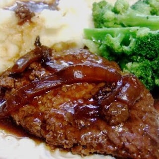 Crockpot Melt in Your Mouth Cube Steak and Gravy.