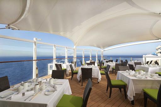 norwegian-joy-haven-Outdoor-Rest.jpg - Enjoy your favorite dishes while dining al fresco on Norwegian Joy.