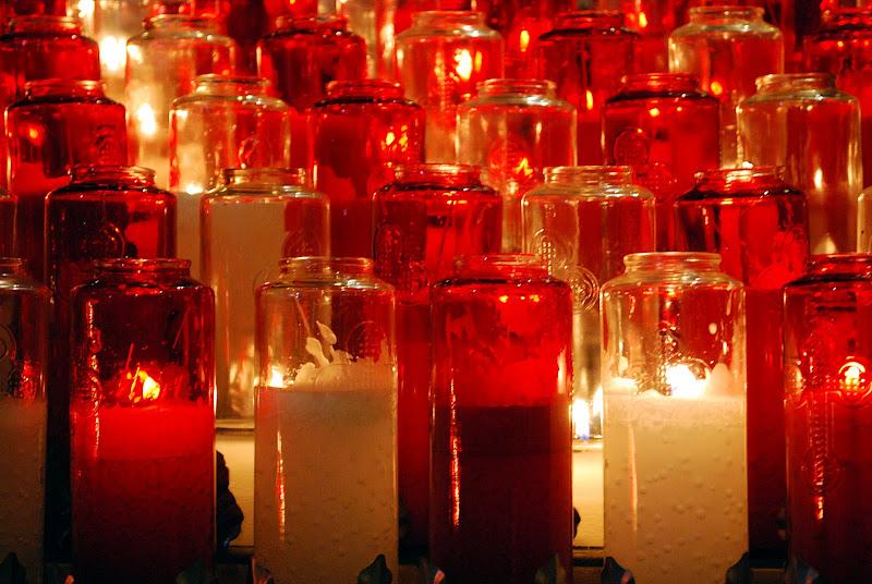 Candele votive nella cattedrale di effemarini