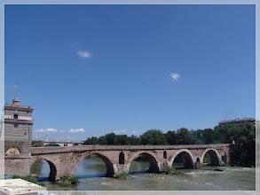 Photo: Puente Milvio ( Roma ) http://www.viajesenfamilia.it/