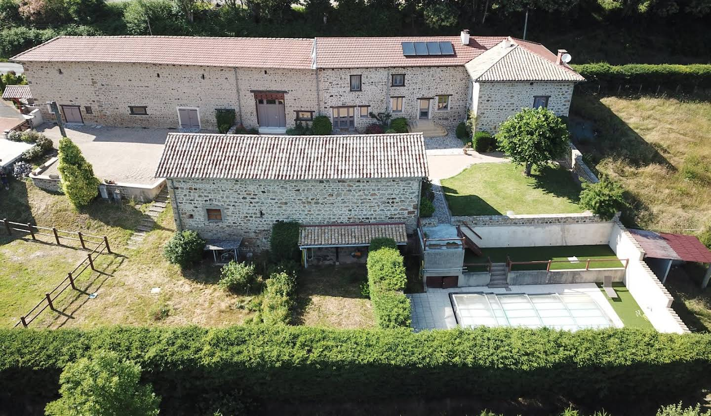 Maison avec piscine et terrasse Quincié-en-Beaujolais