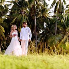 Wedding photographer Lara Korneeva (LaraKorneeva25). Photo of 26.10.2017