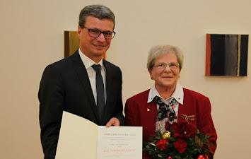 Bendl - Bundesverdienstkreuz.jpg