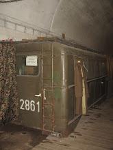 Photo: W Bunkrze zgromadzono różne militarne eksponaty.