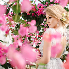 Wedding photographer Ekaterina Lezhneva (Lezneva). Photo of 28.05.2017