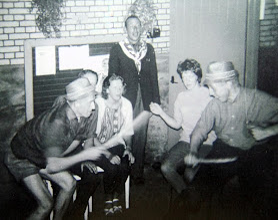 Photo: Appelscha: v.l.n.r. Egbert Rijnberg, Hinnie Mennega, Bertha Rijnberg, Hendrik Hoving, Hilje Schuiling en Hendrik Speelman