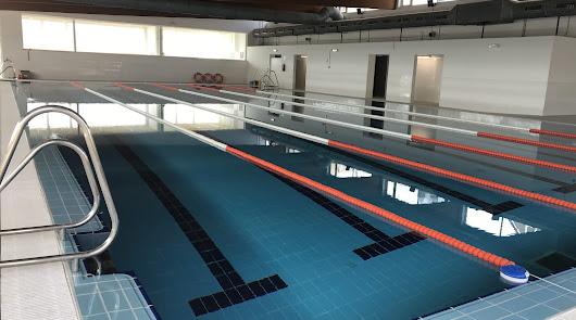 La piscina cubierta de Cuevas abrirá sus puertas este viernes