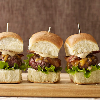 Bacon Cheddar Sliders with Spicy Chipotle Sauce