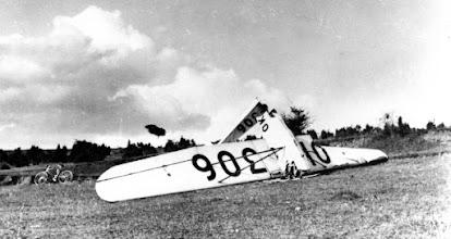 Photo: vetroň Šedý vlk / OK-306 havarovaný na Slovensku  archív - Libor Solín