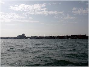 Photo: Vista desde el Canal de Guideca en el vaporetto. Venecia http://www.viajesenfamilia.it