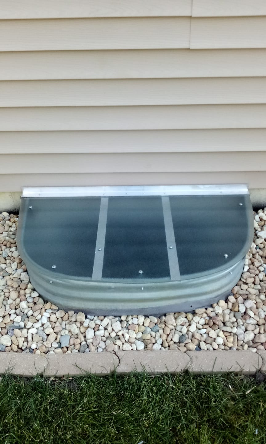 Willow Springs, IL-HandyManny Custom Window Well Covers