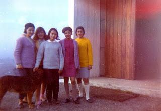 Photo: Generación 68. Foto enviada por Zunilda Peralta. Benedictinos Mirtha, Zuni, Carmen, Dora y Edith