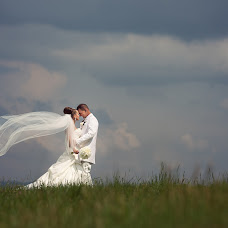Wedding photographer Martin Krystynek (martinkrystynek). Photo of 13.04.2015