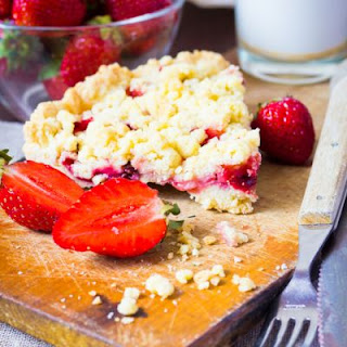 Sweet Strawberry Crumble
