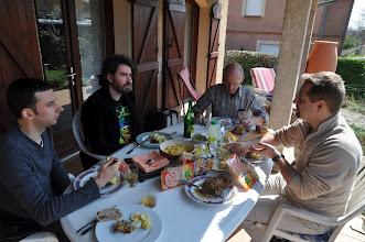 Photo: Panier repas sur la terrasse de Claude avant le départ