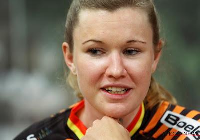 Jolien D'hoore heeft dinsdag de kermiskoers in Sint-Lievens-Esse op haar naam gezet