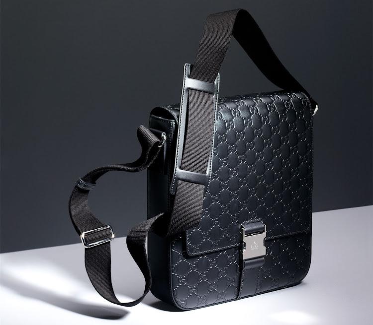 2d0773e81829 Gucci sling man-bag