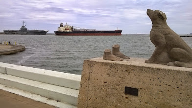 Photo: Corpus - Ocean Drive with 2 ships and dog statue (Mel Chin)