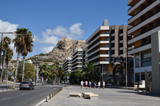 DSC_1323.jpg - Downtown modern Alicante shopping area and newer architecture.