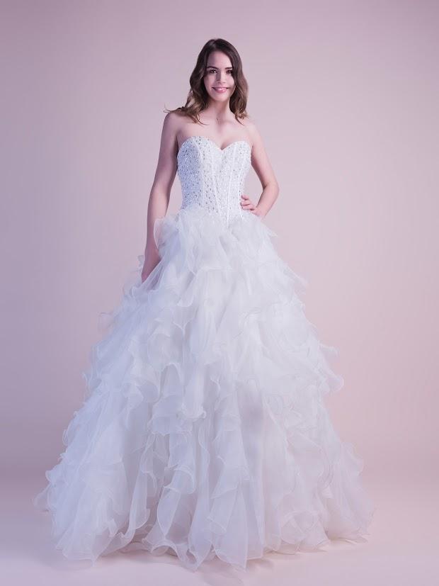 Robe de mariée Diadème, robe de mariée baleines apparentes, robe de mariée brodée de cristaux