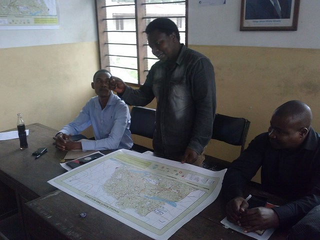 Discussing what comes after mapping in Tandale CREDIT: Ramani Huria