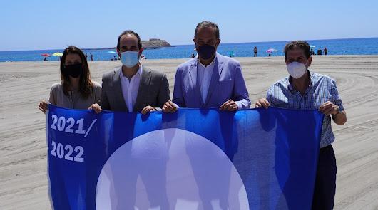Las playas de Carboneras ya tienen 3 banderas azules y la de El Ancón regenerada