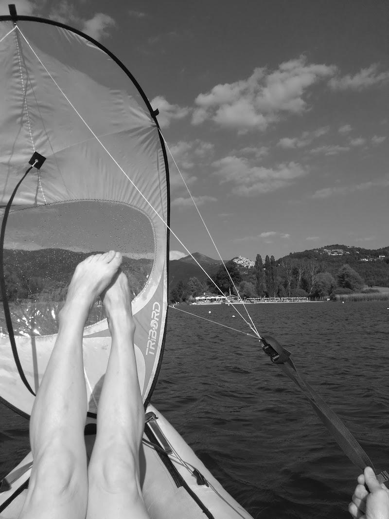 Via con il vento a gambe levate di claudio_sposetti