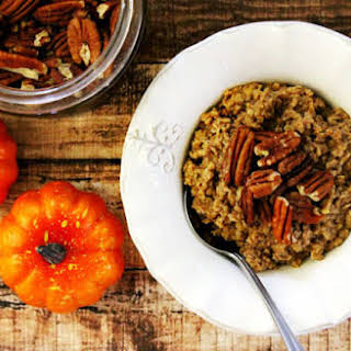 Vegan Pumpkin Spice Oatmeal (Vegan, Gluten-Free, Dairy-Free, No Refined Sugar).