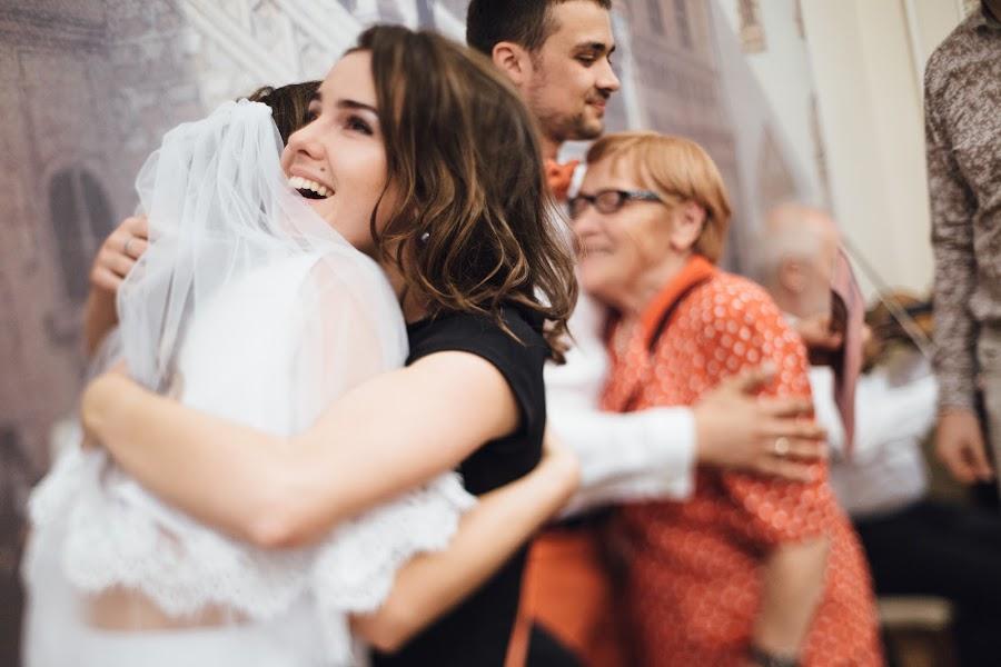 Wedding photographer Nastya Ladyzhenskaya (Ladyzhenskaya). Photo of 22.10.2015