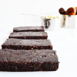 Raw Vegan Fudgy Chocolate Bars.